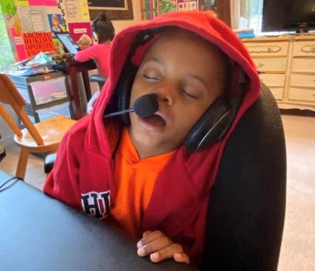 'Zoom Fatigue' Fenomena Anak Kelelahan Menjalani Sekolah Online (1053347)