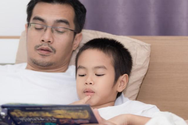 Manfaat Bila Ayah Suka Membacakan Cerita untuk Anak (83937)