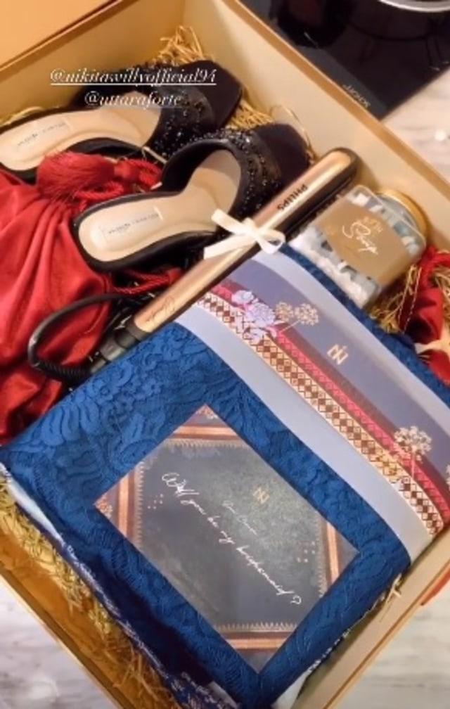 Jelang Pernikahan, Nikita Willy Bagi-bagi Bingkisan Bridesmaid Mewah (208921)