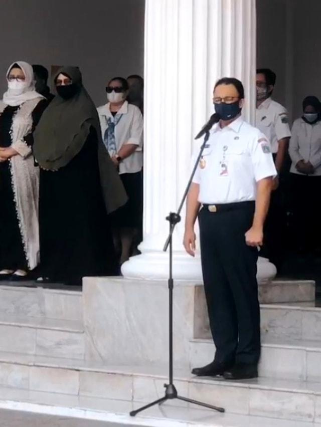 Momen Haru Saat Pelepasan Jenazah Sekda DKI Saefullah, Suara Anies Bergetar (246806)