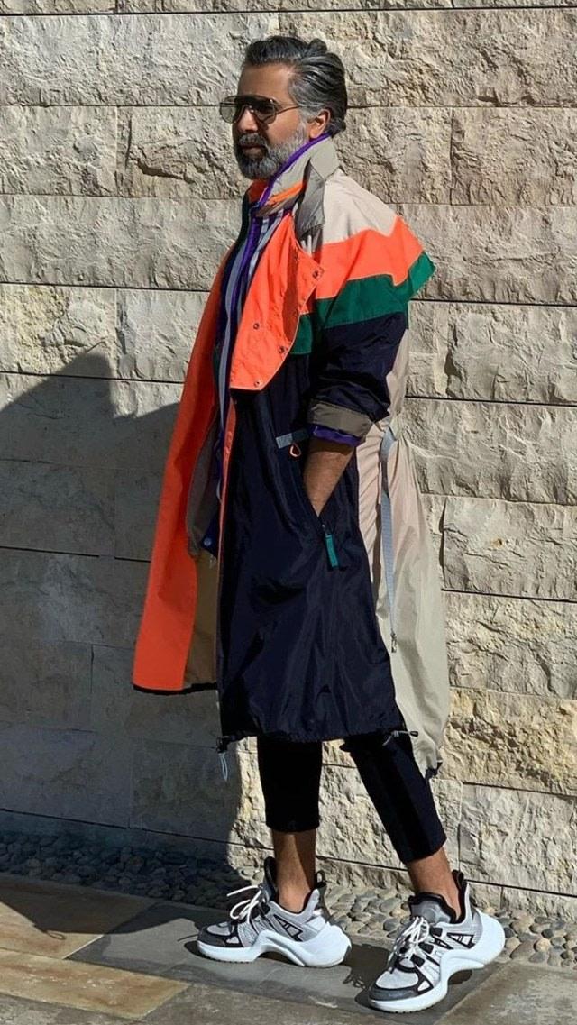 Intip Gaya Asik Dokter Gigi Pria Ini, Pakai Outfit dan Jinjing Tas Mahal (656915)