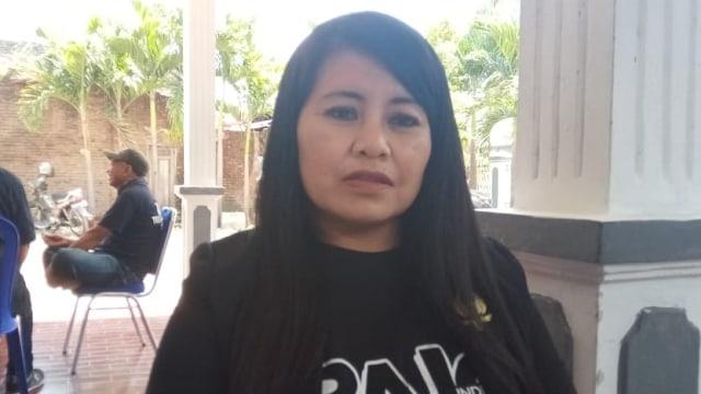 Kisah Warga Solo yang Serahkan KTP untuk Dukung Paslon Penjahit-Ketua RW (235820)