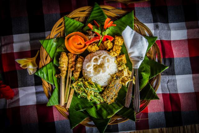 6 Makanan Khas Bali yang Meriahkan Hari Raya Galungan dan Kuningan (1045247)
