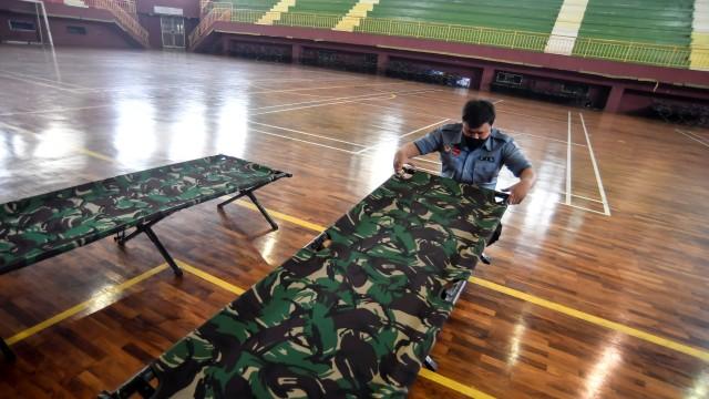 Foto: GOR Ciracas Bersiap Jadi Tempat Isolasi Pasien Corona Tanpa Gejala (233148)