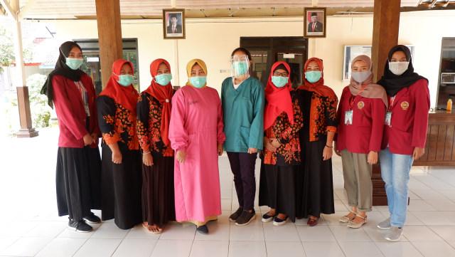 PMM UMM Membagikan Jamu, Guna Menambah Imunitas Tubuh di Situasi Pandemi (1008748)