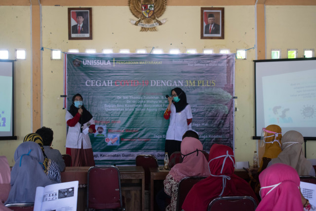 Dokter Muda Unissula Sosialisasi Pencegahan Covid di Desa Binaan (2357)
