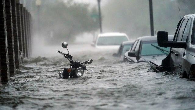 Motor yang Terendam Banjir Wajib Kuras Tangki, Ini Kisaran Biayanya (335304)