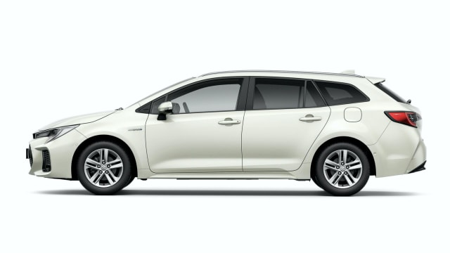 Kenalkan Suzuki Swace, Mobil Baru Kembaran Toyota Corolla Touring (241541)