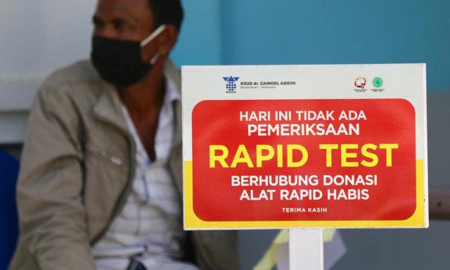 Foto: Ramai-ramai Antre Tes Swab COVID-19 di Aceh  (44688)