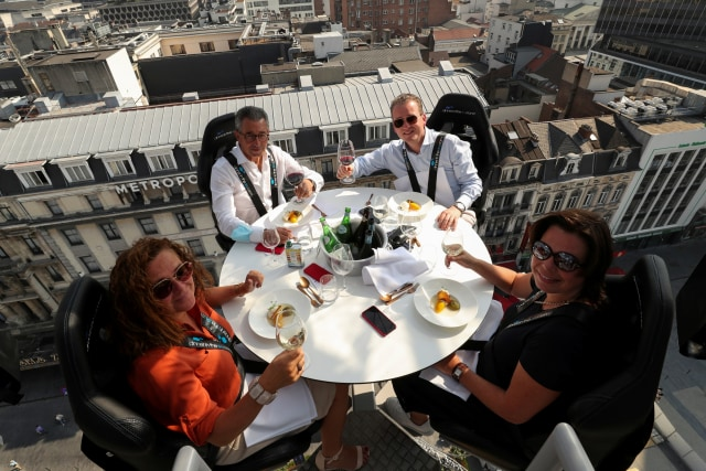 Foto: Restoran di Belgia Kembali Tawarkan Sensasi Makan dari Ketinggian 50 Meter (64226)