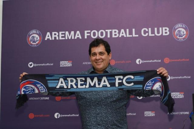 Carlos Oliveira Resmi Jadi Pelatih Arema FC (629381)
