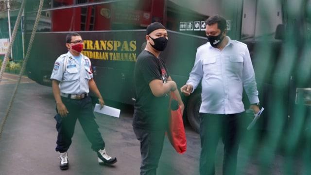 Vicky Prasetyo Bebas dari Penjara: Semua Atas Takdir Allah SWT (321488)