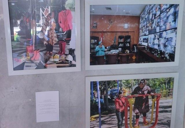 Gelar Pameran 'Perempuan', Fotografer di Surabaya Berupaya Bangkit Saat Pandemi (501779)