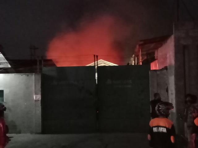 Pabrik Busa Sari Guna Sukoharjo Terbakar (63411)