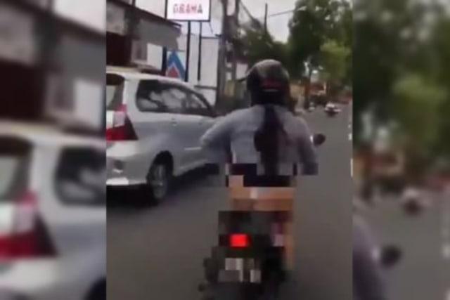 Polisi Temukan Identitas Pemotor Perempuan Pamer Celana Dalam di Magelang (217115)