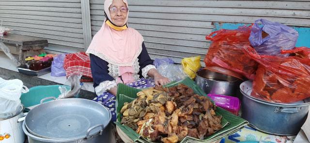 Nasi Buk Bu Tuni, Kuliner Legendaris di Kota Malang (15497)