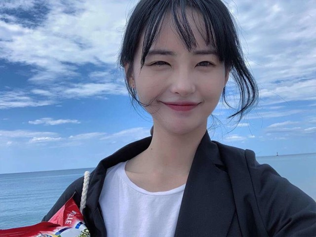 Som Hye In dan Sederet Idol Kelahiran 27 November (82629)