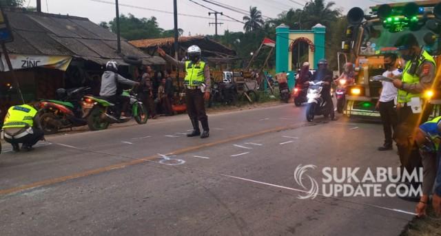 Truk Pasir Seret Enam Pemotor di Sukaraja, Sukabumi (43735)