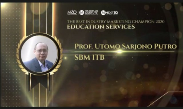 Dekan SBM ITB Raih Marketing Champion kategori Layanan Pendidikan (498252)