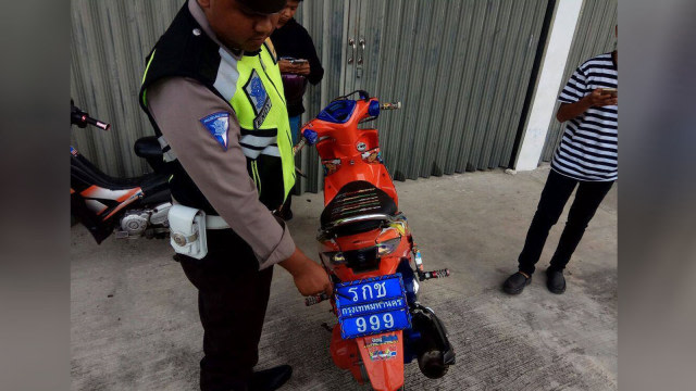 Lagi, Warga +62 Terciduk Pakai Pelat Nomor Thailand, Enggak Takut Denda? (102094)