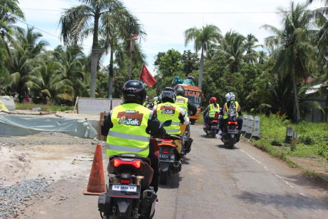Honda Kalbar Berikan Edukasi Menghindari Bahaya di Jalan Raya pada Pelajar (102551)