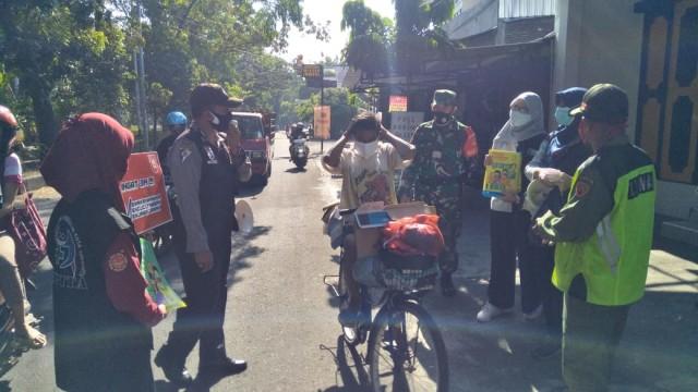 Razia Masker Gabungan di Wilayah Laweyan Solo Terjaring 17 Orang (300914)