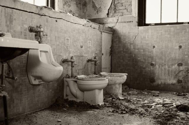 Meriahkan Halloween, Taman Hiburan Jepang Ini Hadirkan Atraksi Toilet Berhantu (77217)