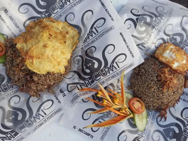 Wisata Kuliner: Nasi Goreng Tinta Cumi Pertama di Pontianak (93715)