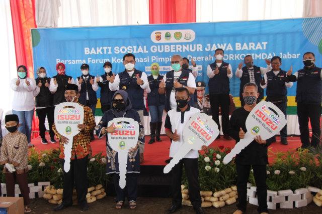 Ridwan Kamil Serahkan 4 Unit Kendaraan Maskara di Kuningan, Jabar (4903)