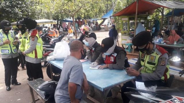 Razia Masker di Cirebon, Jabar, Terjaring 12.644 Pelanggar Selama Sepekan (43291)