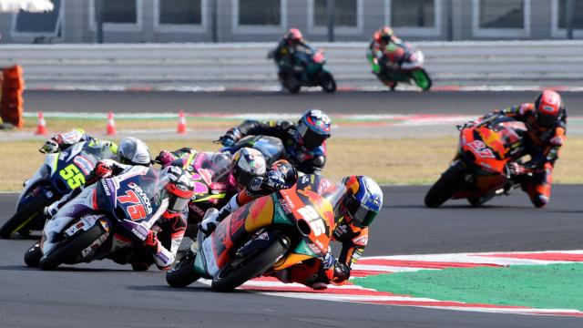 Hasil MotoGP Emilia Romagna: Vinales Tercepat, Rossi Tak Finis (18536)
