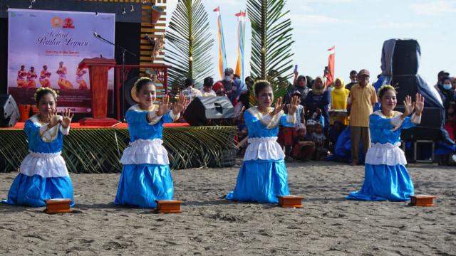 Foto: Semarak Festival Pantai Lapasi di Halmahera Barat (21927)