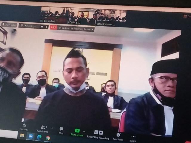 PN Denpasar Tolak Permohonan Pergantian Majelis Hakim Perkara Jerinx (9810)