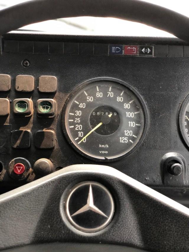 Saat Bus Klasik Mercedes-Benz Mejeng di Bursa Mobil Bekas, Berminat? (126518)