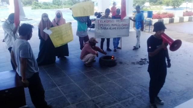 Mahasiswa Kepulauan Sula Desak Pemerintah Perbaiki Jaringan Telkomsel (317928)