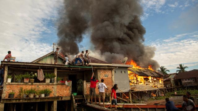 Foto: Kebakaran Permukiman Padat Penduduk di Palembang (73602)