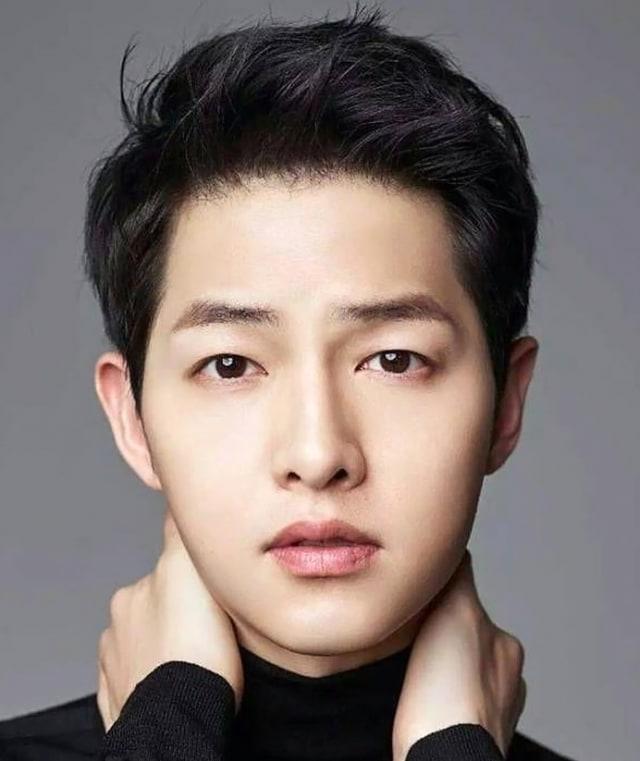 Song Joong Ki Bagikan Tip Awet Muda Versinya (501252)