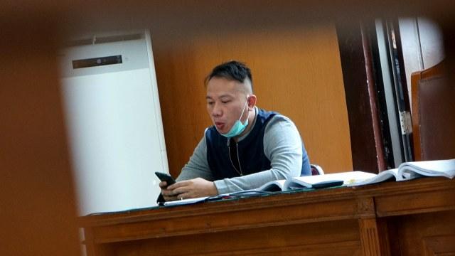 Sidang Vicky Prasetyo Kembali Ditunda karena Jaksa Berhalangan Hadir (122845)