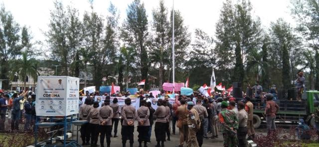 Ratusan Warga Sorong, Papua Barat, Desak Presiden Percepat Pemekaran PBD (227068)