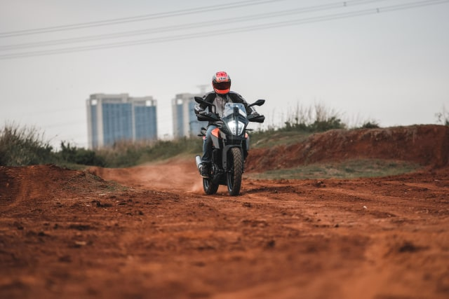 Foto: Gaspol KTM 390 Adventure di Trek Tanah (15198)