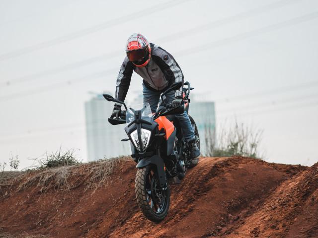 Foto: Gaspol KTM 390 Adventure di Trek Tanah (15203)