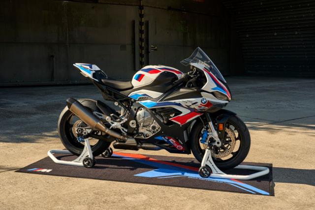BMW Motorrad Kenalkan M 1000 RR, Motor Seri M Pertama di Dunia (42775)