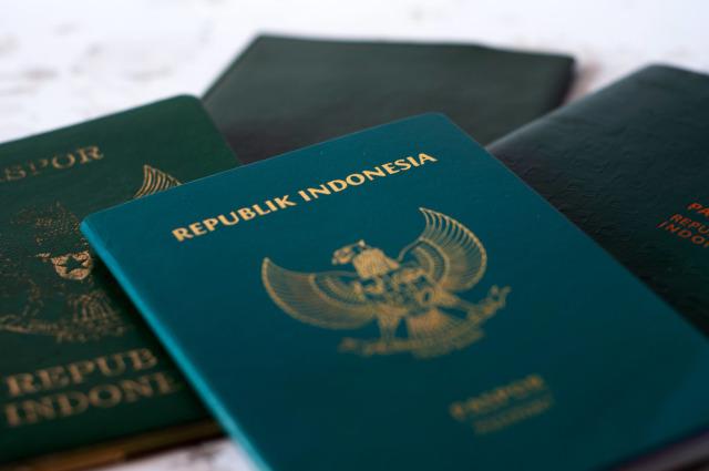 BTS Dapat Paspor Diplomatik, Ini Perbedaannya dengan Paspor Biasa (10491)