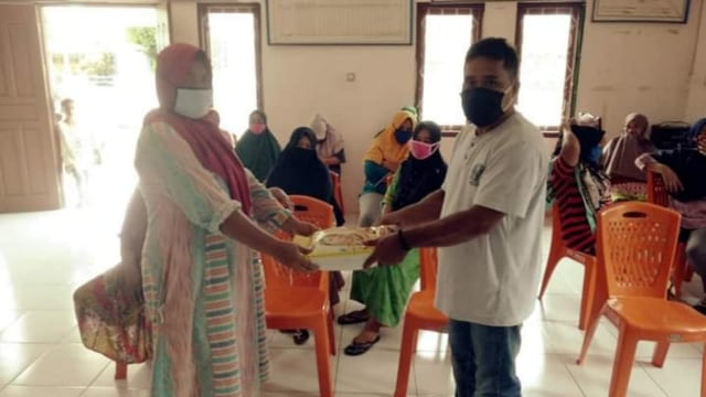 Warga Halmahera Utara Dapat Bantuan Tahap Dua dari PT NHM (3195)