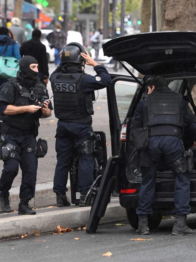 Serangan di Dekat Bekas Kantor Charlie Hebdo, 4 Orang Terluka (272370)