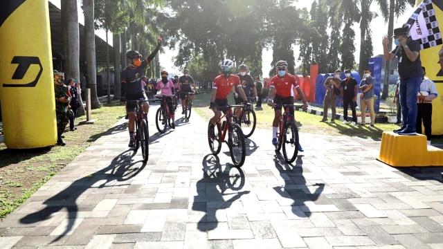 Ganjar: Tour de Borobudur 2020 Event Terlama dalam Sejarah Balap Sepeda (70159)