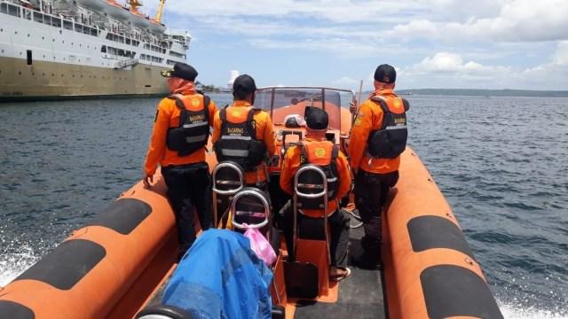 Kaget Kapalnya Dihantam Ombak, Nelayan di Sultra Loncat ke Laut Lalu Hilang (303968)