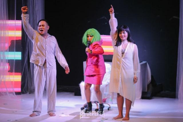 Selebgram Pontianak, Meme Daeng, Tampil di Teater 'Perayaan Tubuh' (353234)