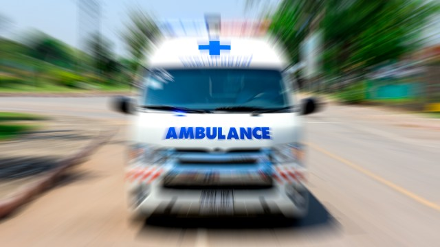 Viral Mobil Innova Halang-halangi Jalur Ambulans, Pahami Etika Lalu Lintas (5200)