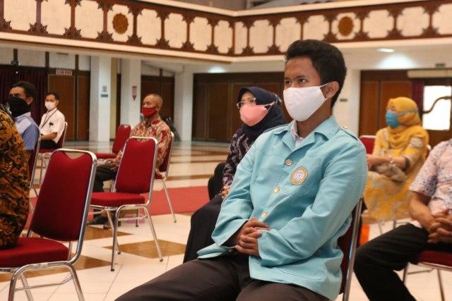 PSD LPPM UNS Berikan Pendampingan serta Kuota Gratis Kepada 15 Maba Disabilitas (32489)